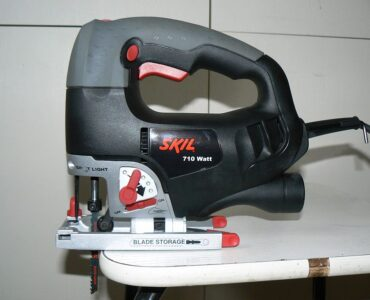 featured image - 5 Effective Tricks on How to Cut Plywood with A Jigsaw Without Splintering.