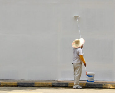 featured image - 5 Important Questions to Ask a Painter Before Hiring