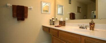 featured image - Bathroom Storage 101: Things to Consider When Buying a Vanity