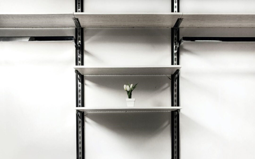 How to Style Shelves: 5 Secret Ideas to Get you Started