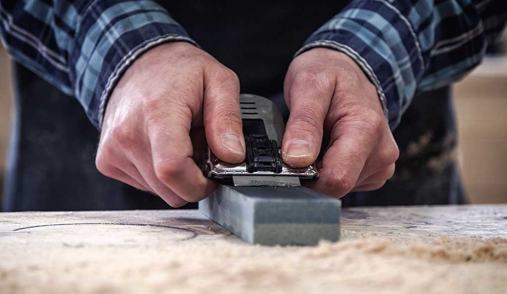 image - In Which Correct Angle a Chisel Should Sharpen