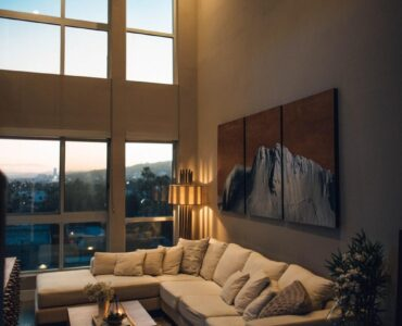 featured image - Lighting Your Living Room to Its Best Advantage
