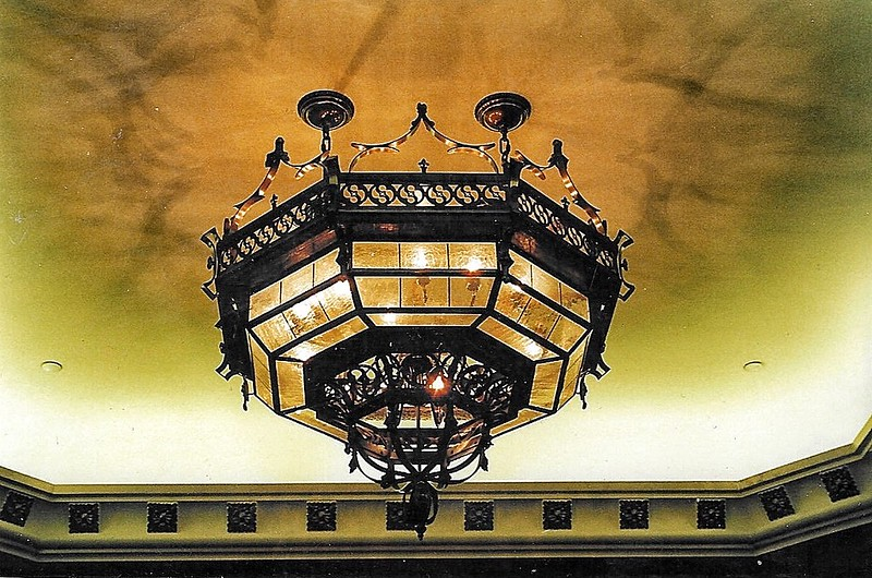 image - Top Tips for Choosing the Perfect Vintage-Style Chandelier