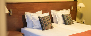 featured image - 6 Popular Fabric Materials Used in Bedding