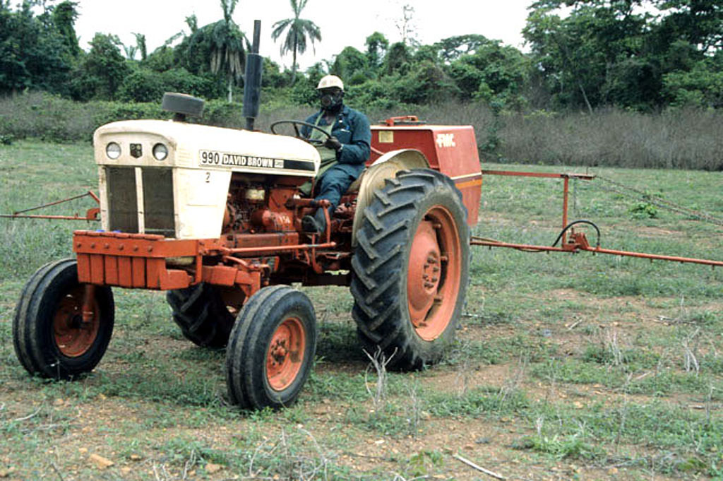 image - Tow Behind Sprayer With Boom