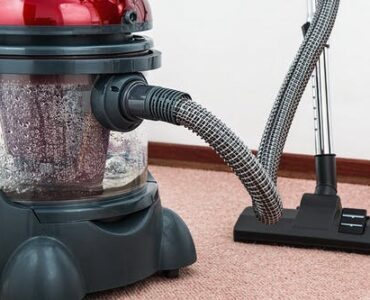 featured image - Carpet Cleaning Methods That are Effective in Different Ways