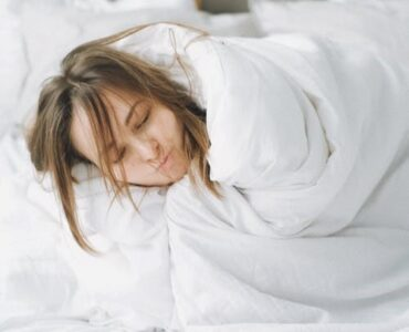 featured image - Five Important Things to Know Before You Buy a Down Comforter