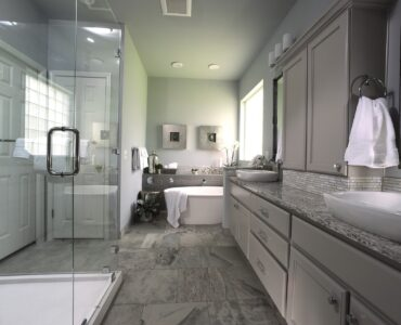 featured image - What Is the Cheapest Way to Remodel A Bathroom