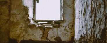 featured image - How to Prepare a House for Demolition