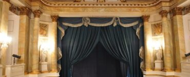 featured image - How to Pick the Best Curtains