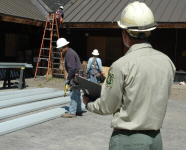 featured image - Tips for Selecting The Best Roofing Company Contractors