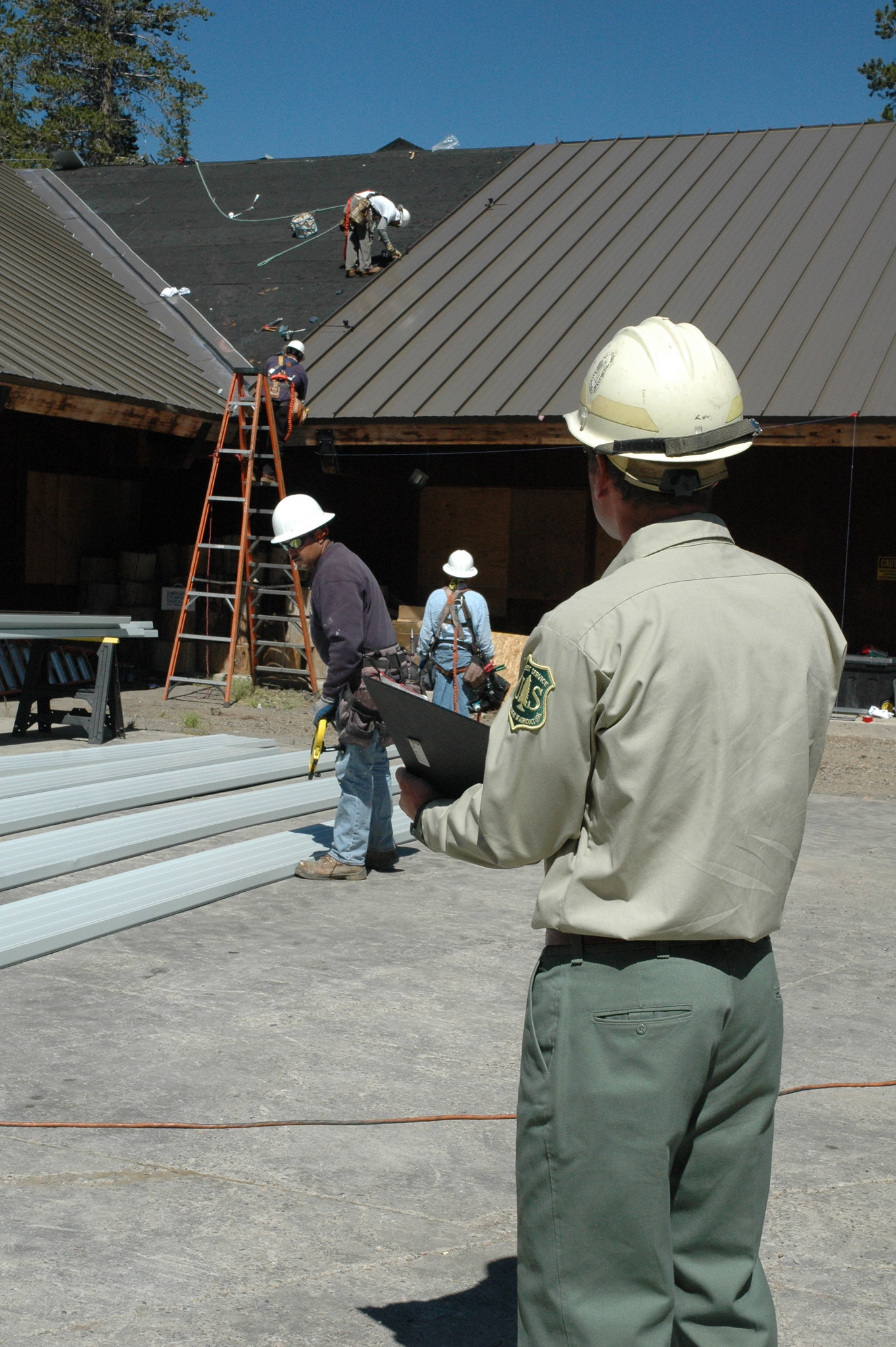 image - Tips for Selecting The Best Roofing Company Contractors
