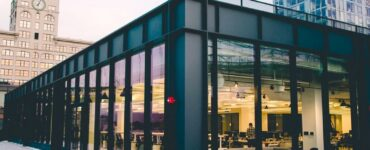 featured image - Choosing a window Glass for your Commercial Space? Here's a Guide to Help
