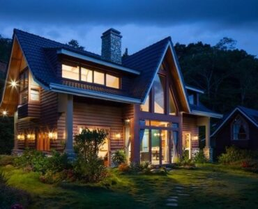 featured image - Give Your Home a Facelift with Landscape Lighting