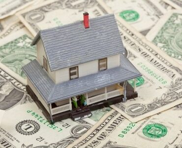 featured image - Should I Accept a Cash Offer for My House?