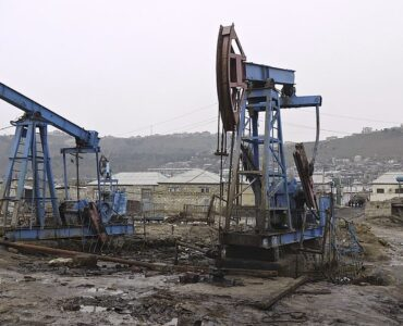 featured image - The Science Behind Oil Wells