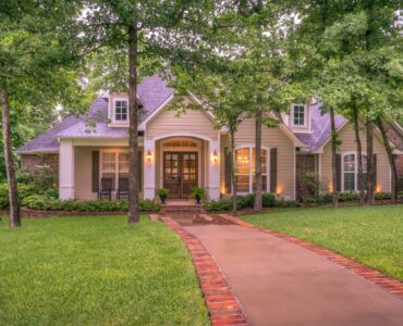featured image - 5 Foolproof Ways to Boost Your Homes Curb Appeal