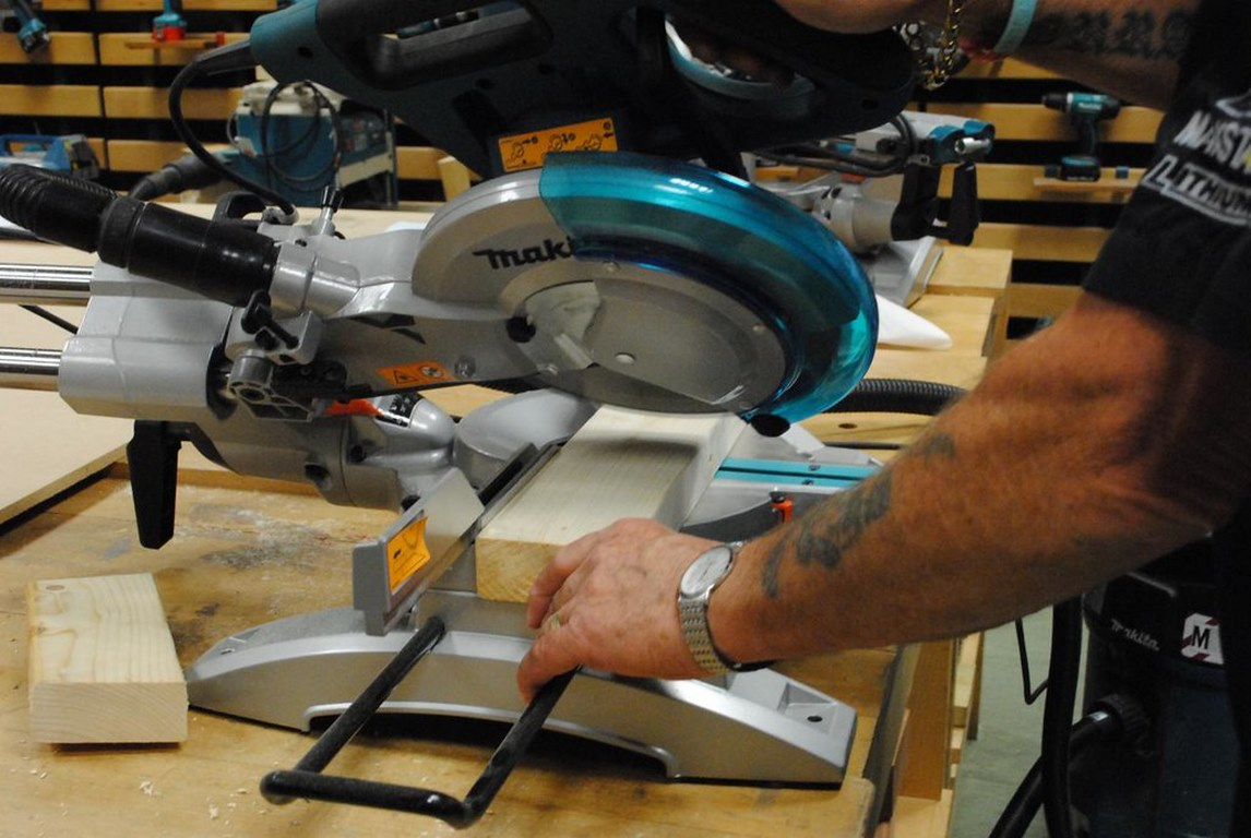 image - 10 Benefits of Having a Miter Saw in Woodworking Shop