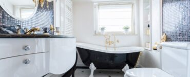 featured image - 7 Bathroom Renovation Tips That Save Your Money