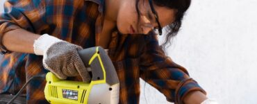 featured image - DIY or Contractor When to Call a Pro