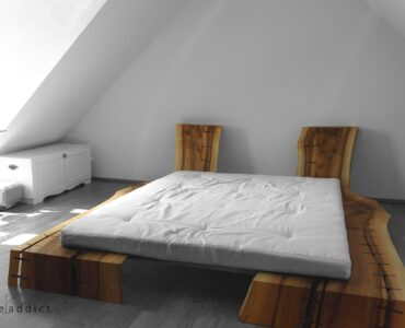 featured image - Futon Beds: Reasons Why they are Popular