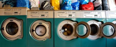 featured image - How Do Drop-Off Laundry Services Help Local Business Owners