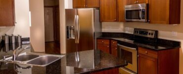 featured image - How to Choose a Countertop for Your Kitchen