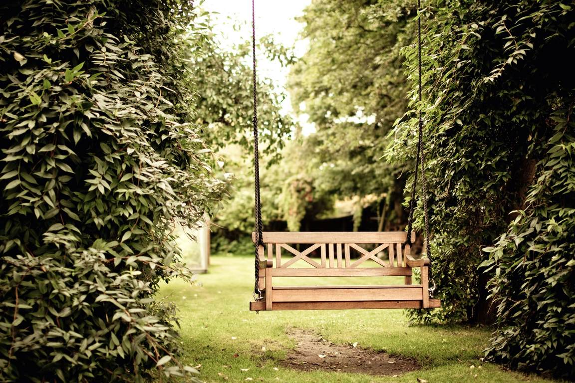 Porch Swing Plans That You May Want At Home