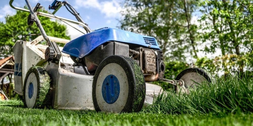 Tips On How to Mow the Perfect Lawn