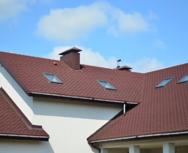 featured image - What Does a Good Roof Installation Look Like