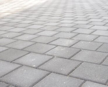featured image - Exploring the Benefits of Interlocking Block Paving for Driveways