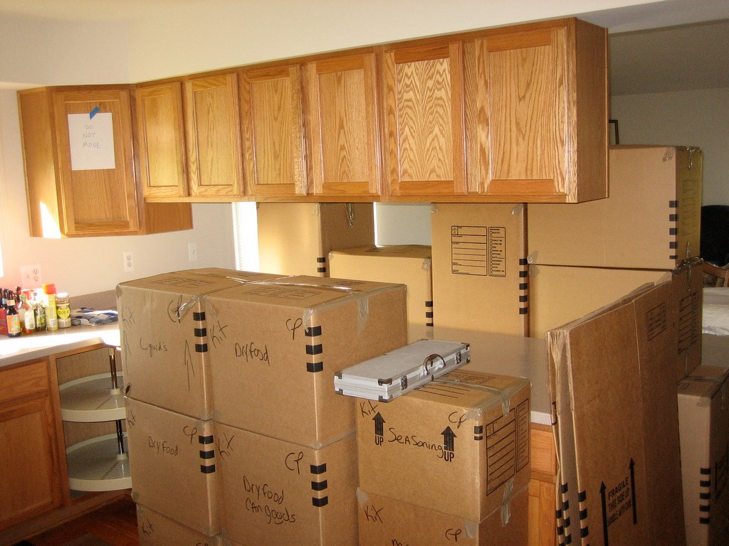 7 Tips for Packing Your Kitchen for a Long-Distance Move