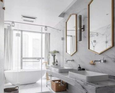 featured iamge - How to Keep Your Bathroom Shining Like New