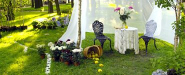 featured image - 5 Tips for Planning a Garden Wedding