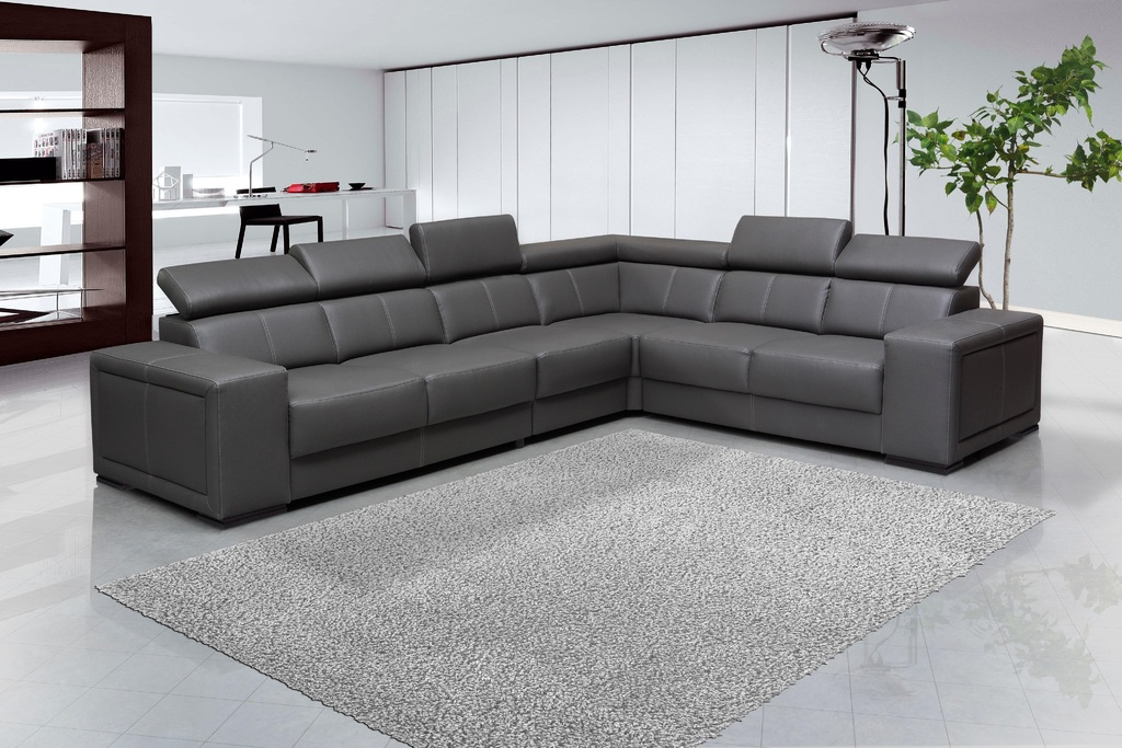 Maximize Your Space with Versatile Seating by Having Leather Sectional Sofas