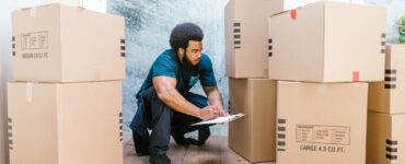 featured image - Top 5 Reasons to Hire a Professional Moving Service