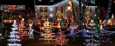 featured image - Do's and Don'ts of Christmas Lighting