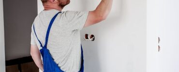 featured image - How to Choose a Professional Painter?