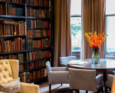 featured image - A Step-By-Step Guide on Setting Up a Home Library