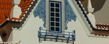 featured image - Pros and Cons of Buying a House in Portugal