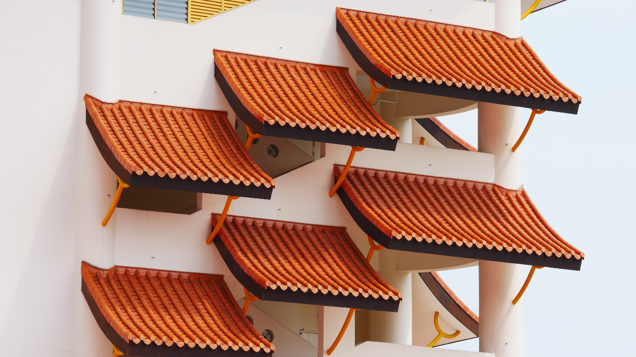 7 Considerations When Choosing the Right Awning for Your Home