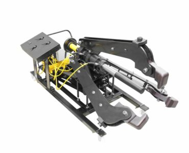 featured image - How Does a Hydraulic Puller Work?