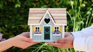 featured image - Mistakes to Avoid When You are Purchasing Your Home for the First Time