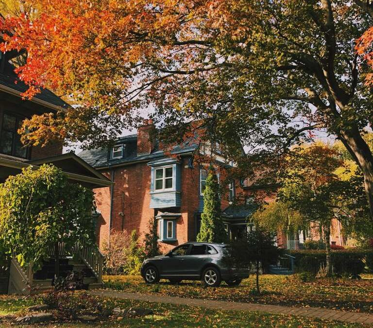 5 Fall Projects to Prepare your Home for Winter
