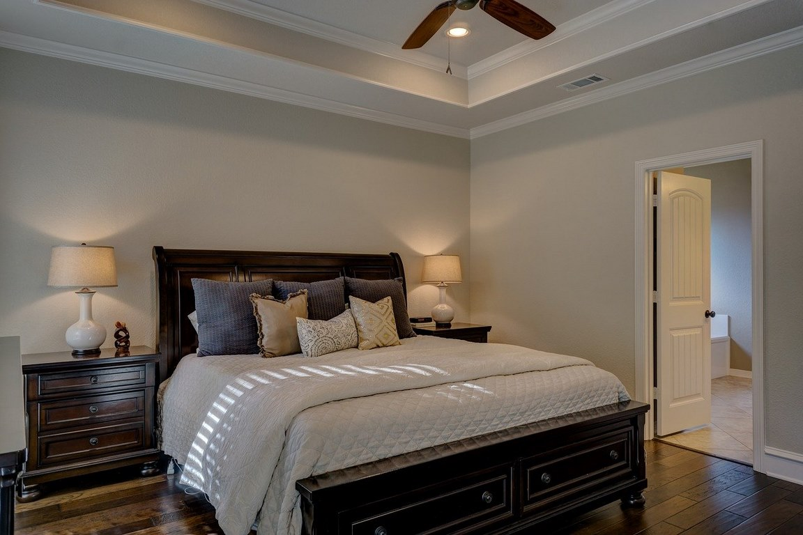Why you Should Buy a Sleigh Bed in 2021?