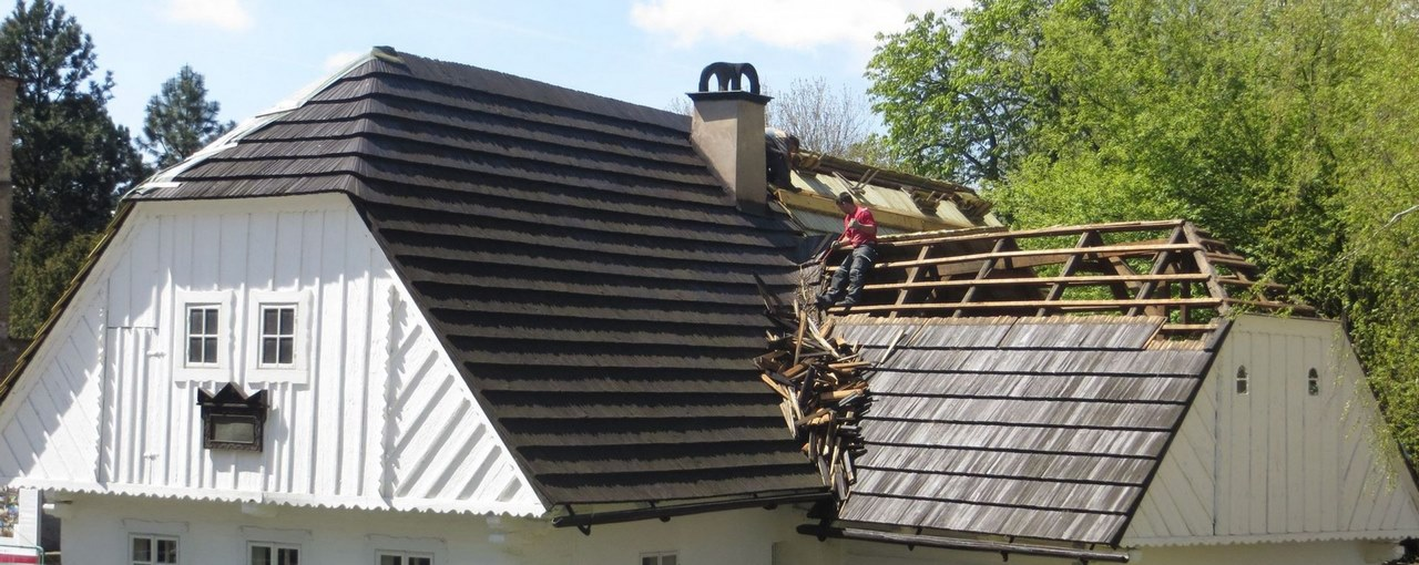 6 Commercial Roof Repair Solutions and Tips to Maintain Your Roof