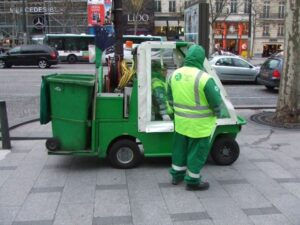 featured image - 8 Top Benefits for Hiring Mini Skips Adelaide for Waste Management