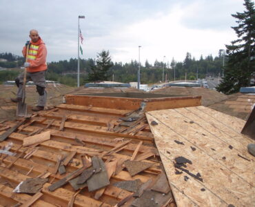 featured image - How to Become a Licensed Roofing Contractor