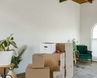 featured image - How Will You Select the Best Movers for Relocation?